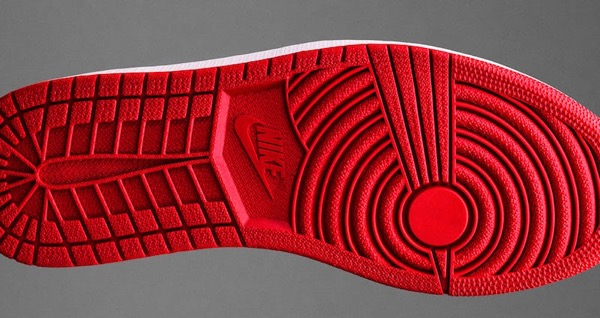 air-jordan-1-banned-retro-2