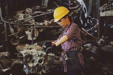 leading edge industrial in lafayette indiana believes that more women should be encouraged to pursue the mechanical field