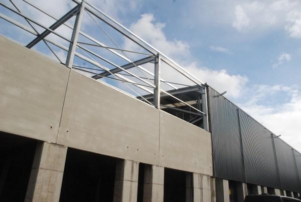 Umbau der Boxengaragen und der Tribüne © Marcel Bol (paddock14.nl)