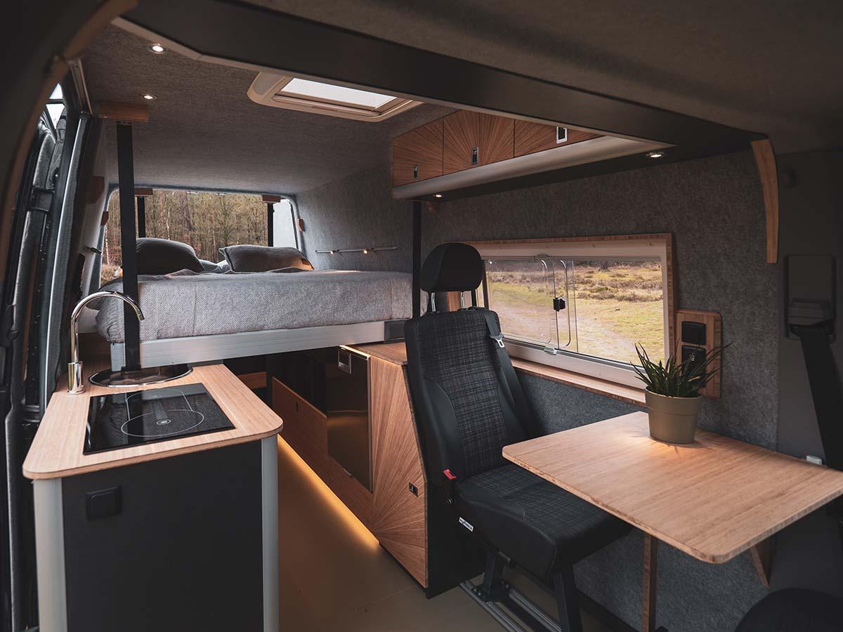 Custom Camper van 4x4 mercedes