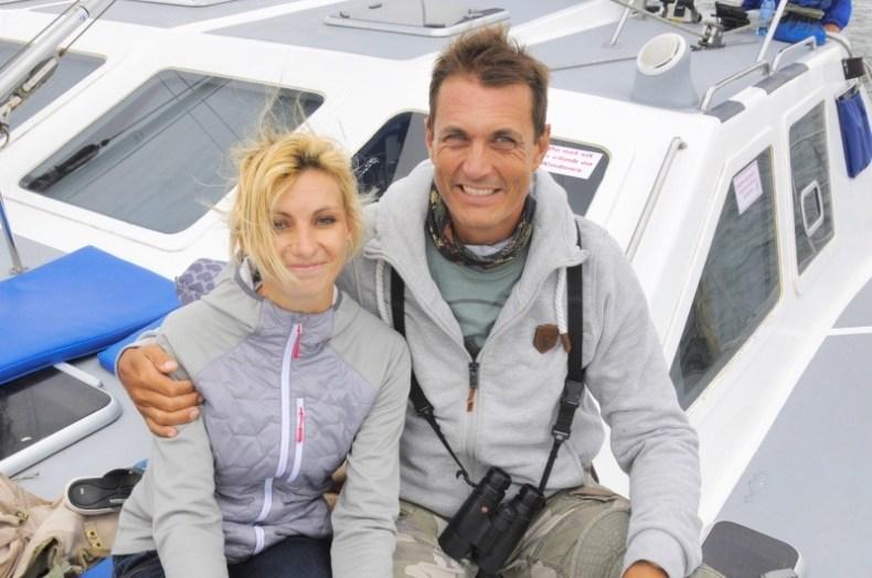 Lisa und Albert Voigts auf Vogelbeobachtungstour auf dem Atlantik.