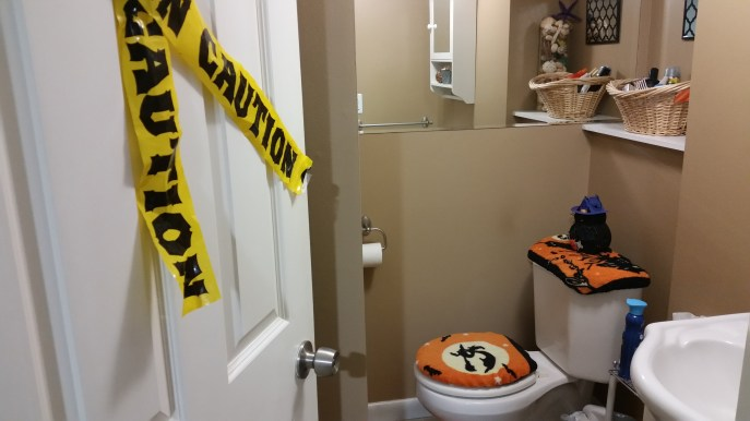 Bathroom Halloween decor