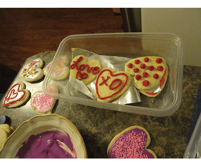 cookie cutter hearts frosting