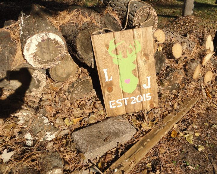 DIY wood deer sign