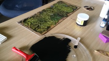 Printing from the leaves with ink.
