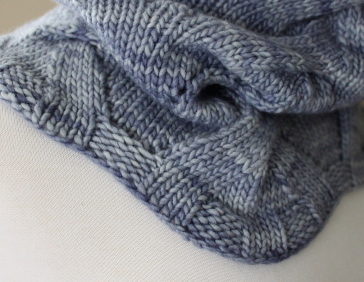 Foggy Day Cowl edge