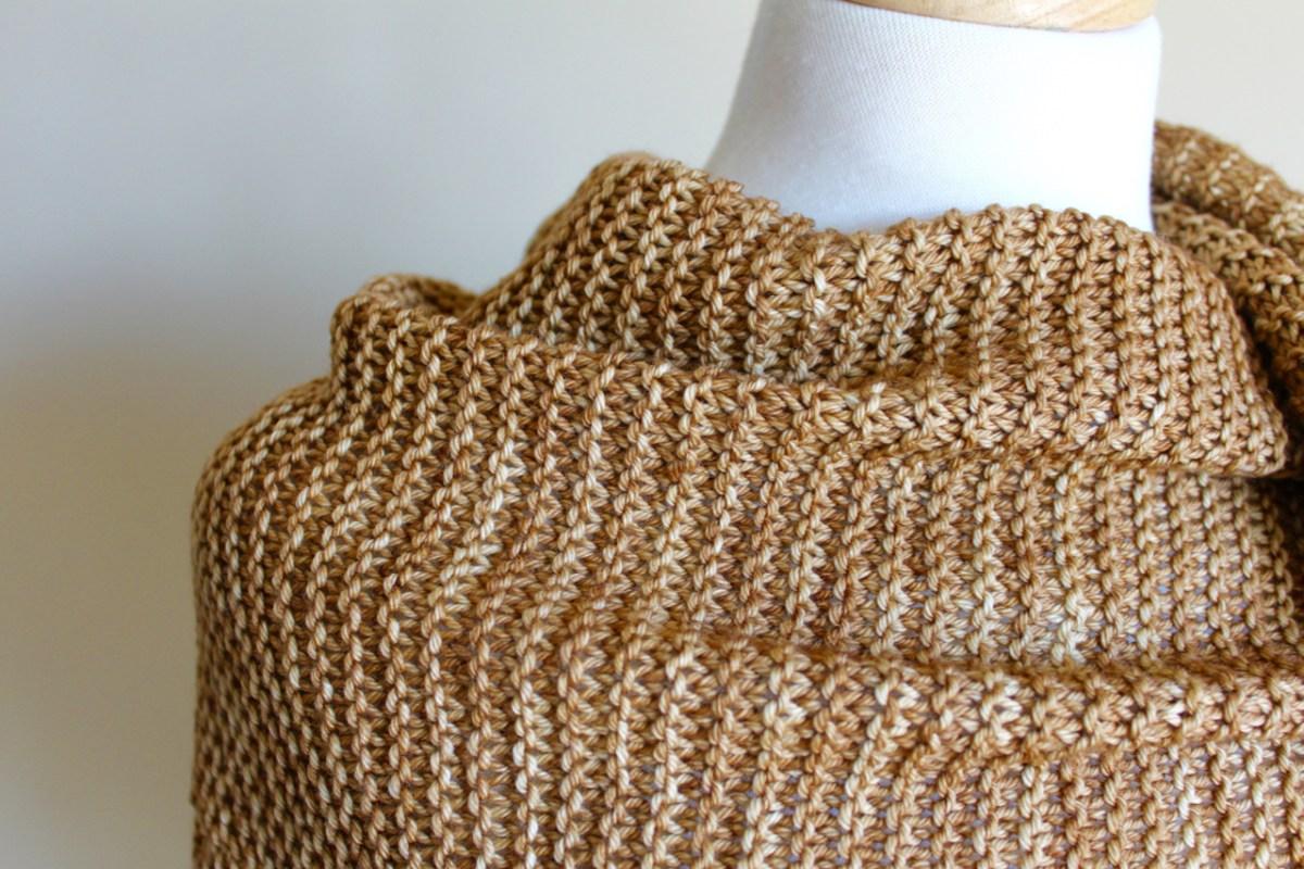 Golden Harvest garter closeup