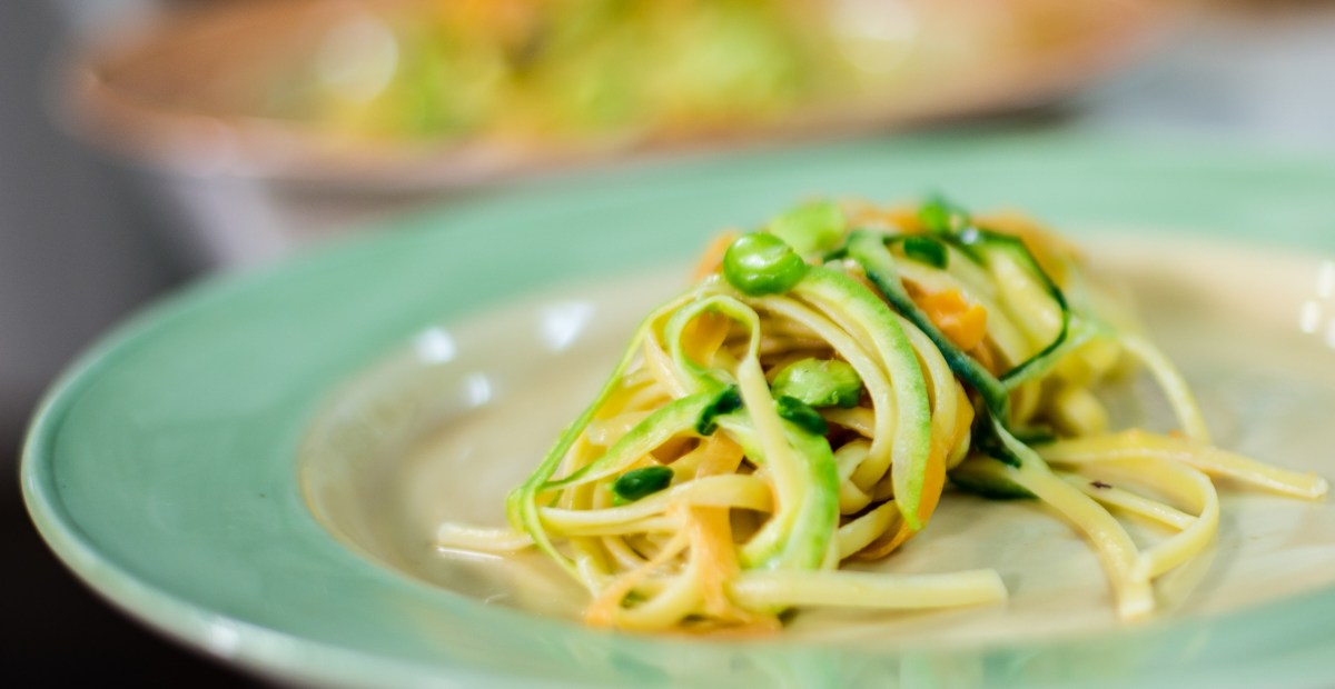 Linguine Aglio Olio with spiralized vegetables