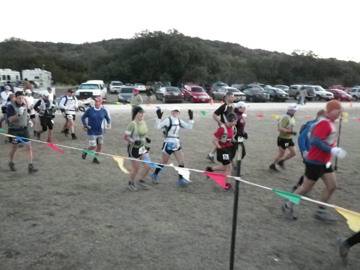 Runners start 2011 Bandera 100K trail race