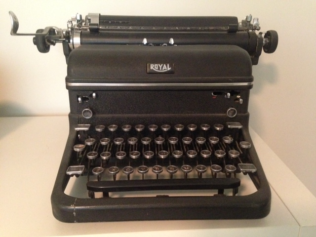 Photo of old manual typewriter from 1940s.
