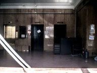 abandoned-office-02