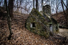 The-Witches-House-02
