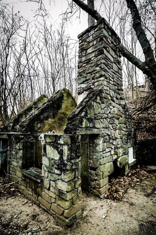 The-Witches-House-03