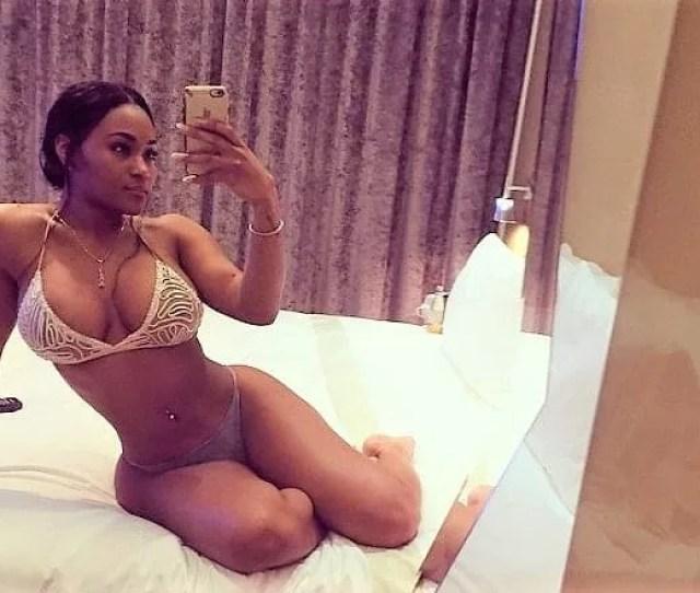 Lira Galore Sexy Selfie