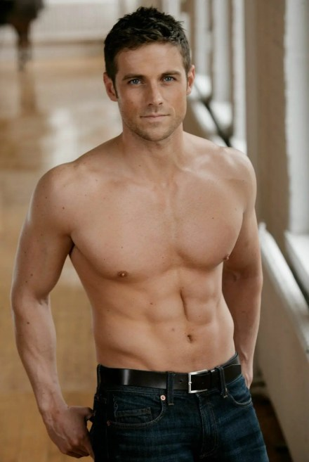Watch Online    Dylan Bruce Nude Pics, NSFW Videos & His Ripped Body!
