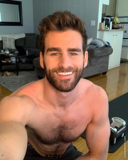 Watch Online |  Chris Salvatore Nude Pics & Gorgeous Cock Exposed