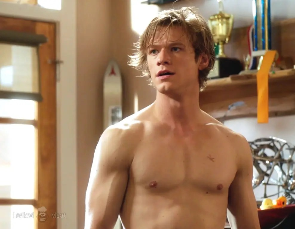 Watch Online    Lucas Till Sexy Pictures & Delicious Body On Display