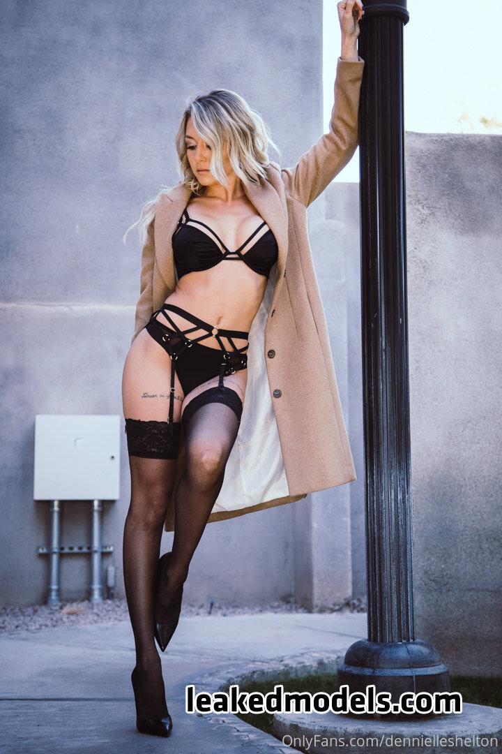 ellebelle1 leaked nude leakedmodels.com 0024 - Elle – ellebelle1 OnlyFans Nude Leaks (40 Photos)
