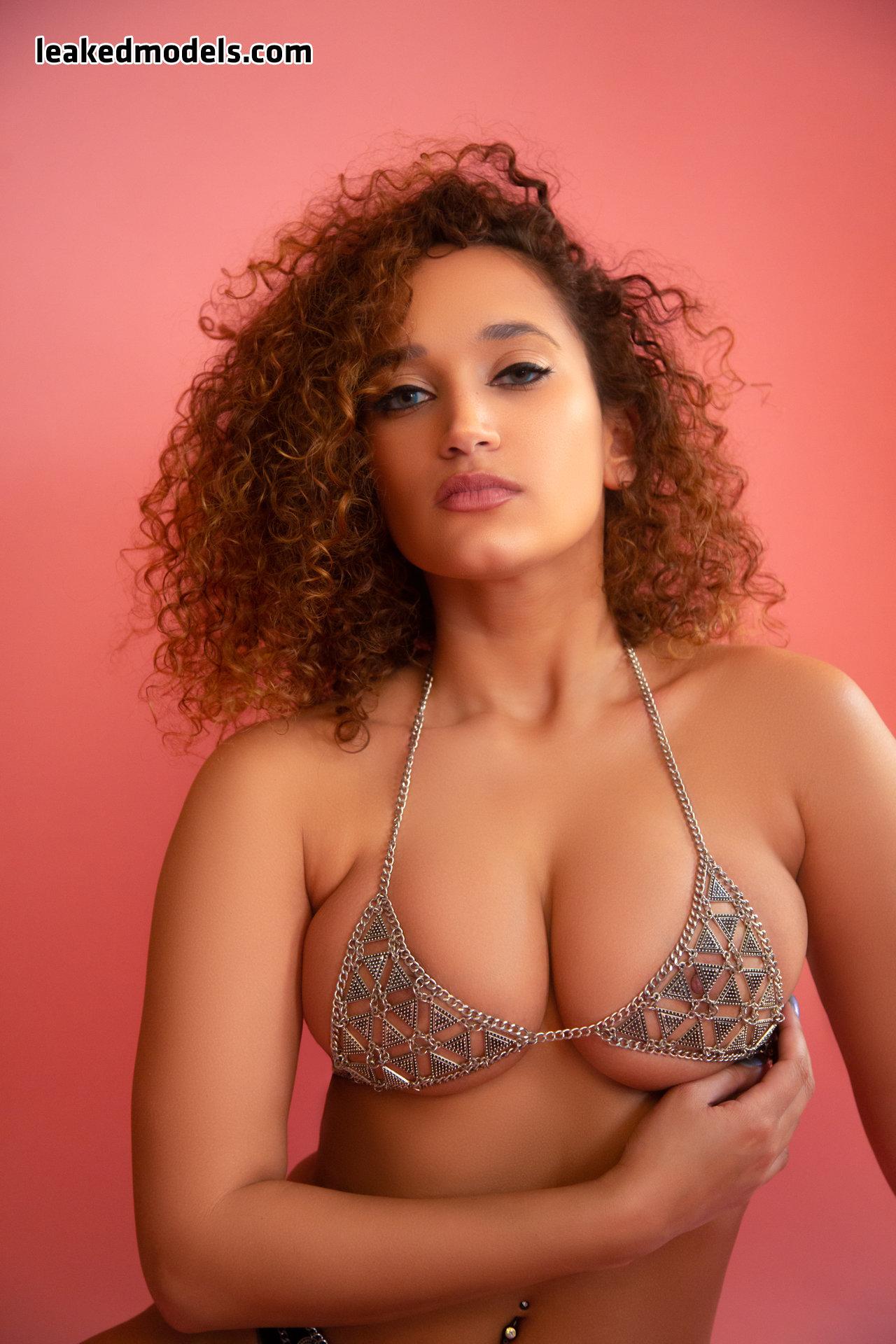 shelby lyn leaked nude leakedmodels.com 0025 - Shelby Lyn – theshelbylyn Instagram Nude Leaks (33 Photos)