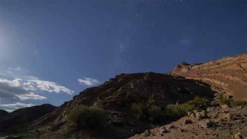 Vía Láctea y montañas