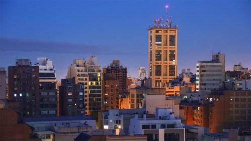 Día a noche en Córdoba centro