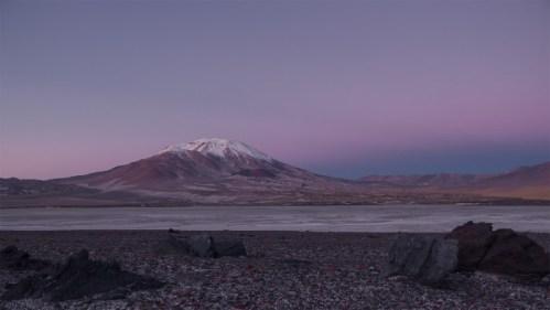 Amanecer y volcán