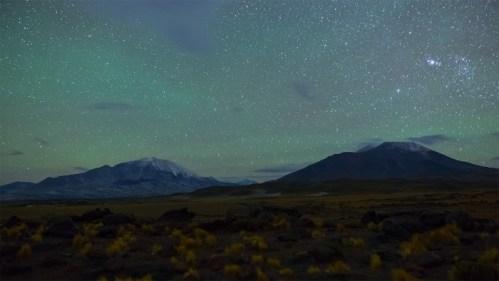 Volcanes, airglow y estrellas
