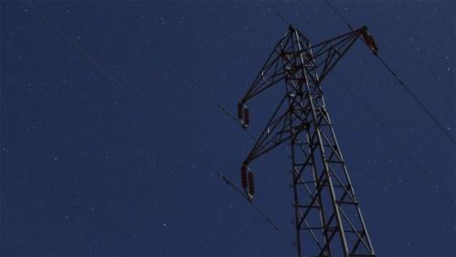 Torre de cables eléctricos