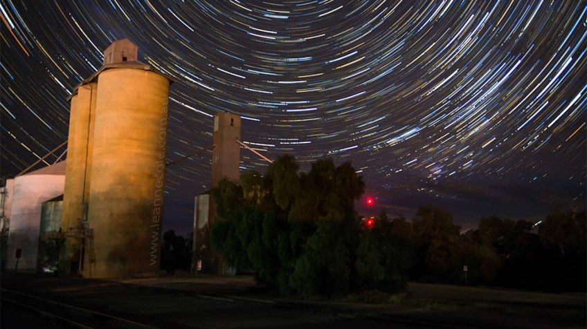 woomelang-star-trail-silos-web