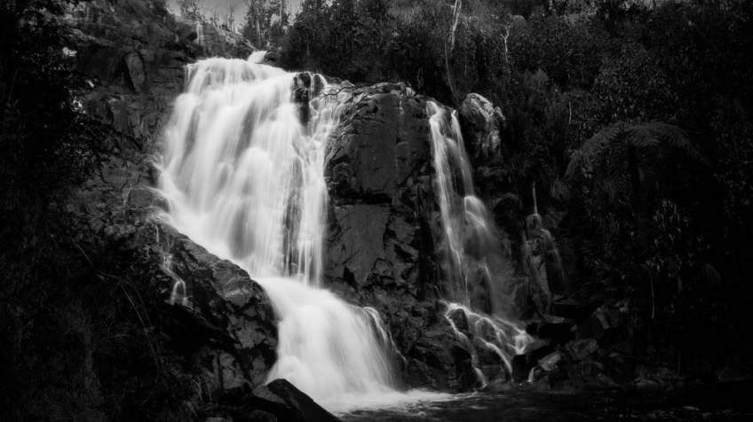 marysville-steavensons-falls-water-monochrome-100-2