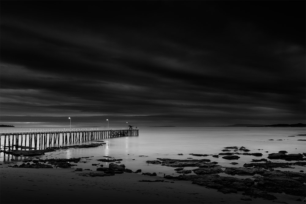 sunrise-point-lonsdale-pier-monochrome