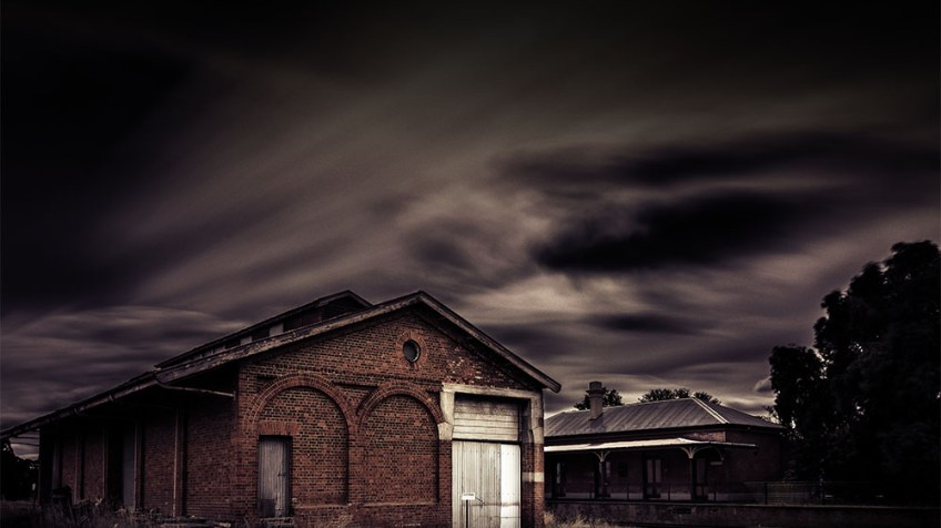 abandoned-railway-shed-newstead-longexposure