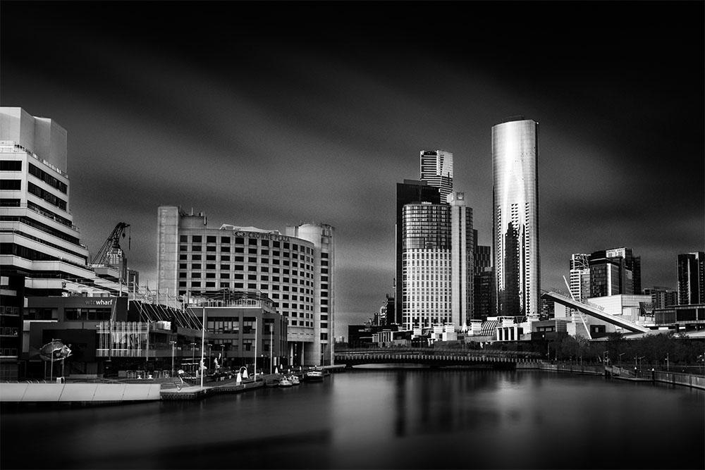 cityscape-melbourne-yarrariver-longexposure-monochrome
