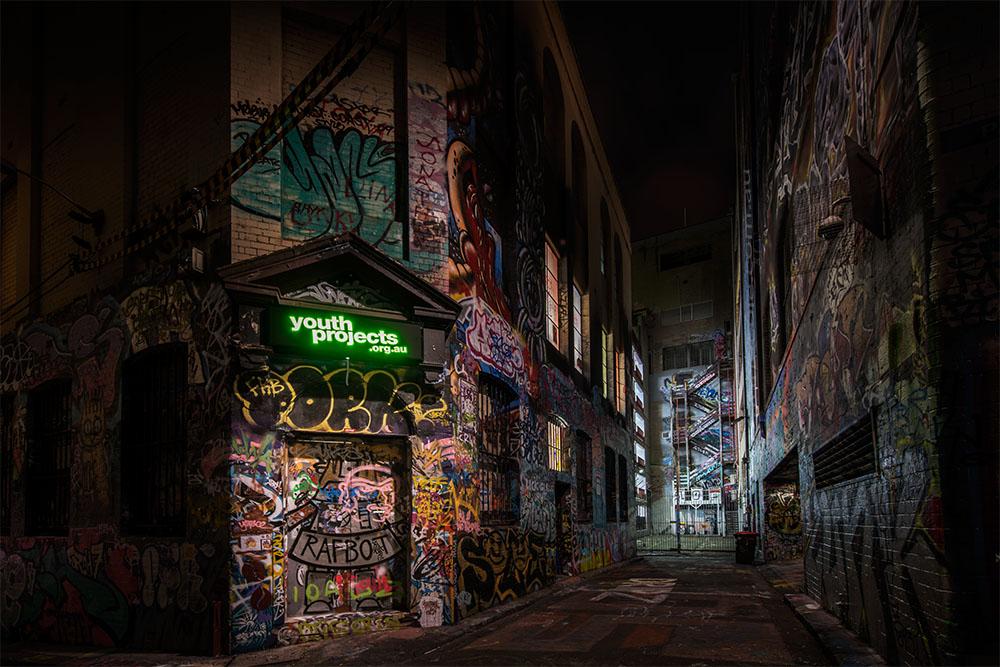 hosier-lane-melbourne-graffiti-night