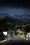 queenstown-street-mountains-tasmania