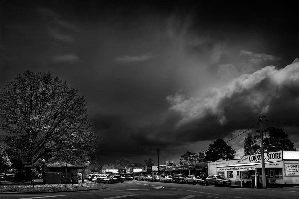 lancefield-storm-approaching-monochrome