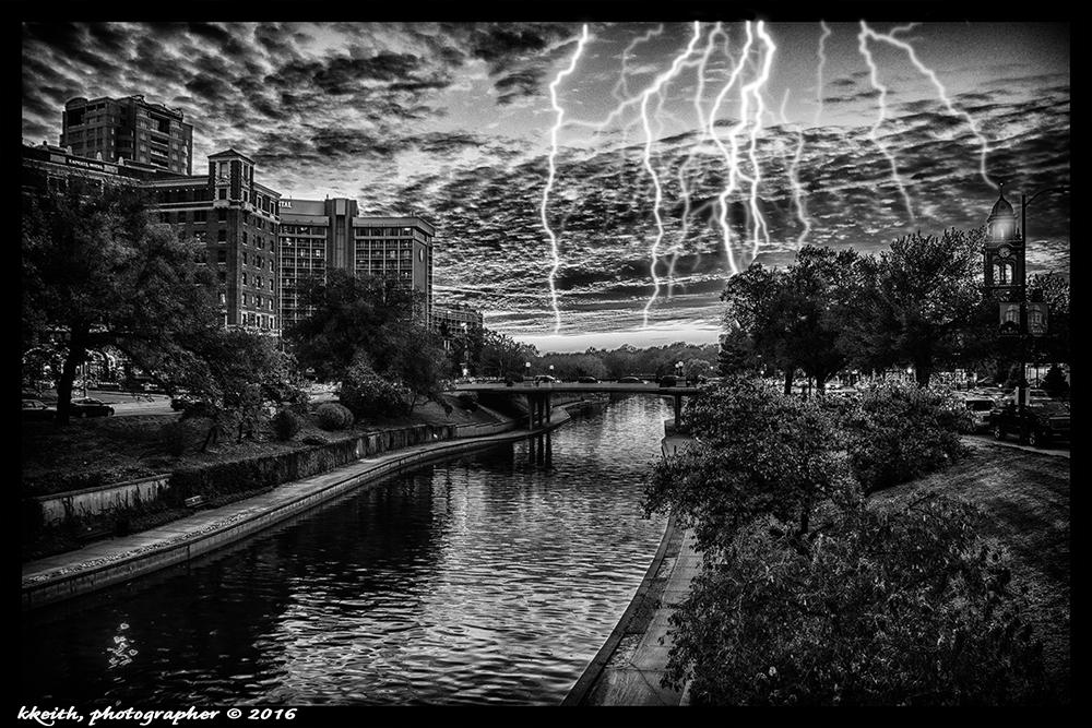 stormy-plaza-hdr-efx-b-w-4mm