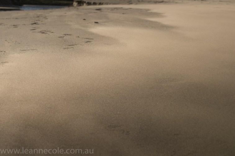 aireysinlet-sand-beach-wind