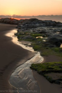 apollo-bay-sunrise-rocks-beach-2