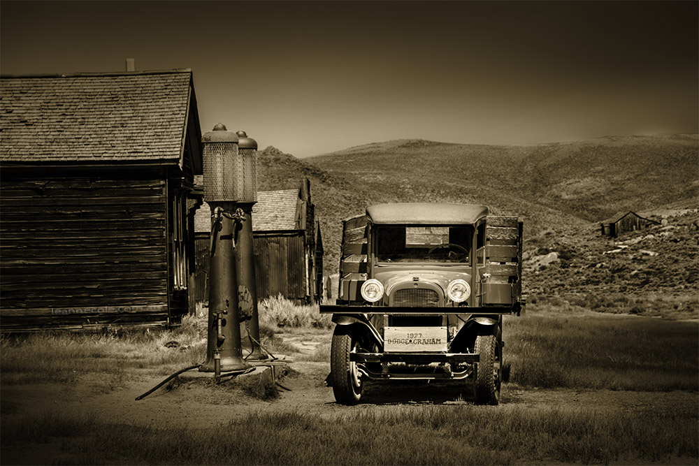 bodie-ghost-town-usa-monochrome-2015