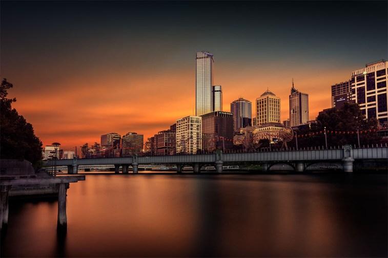melbourne-skyline-cityscape-sunrise-river