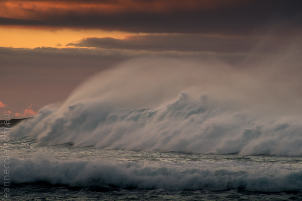 apollobay-waves-spindrift-sunrise-crashing-4172