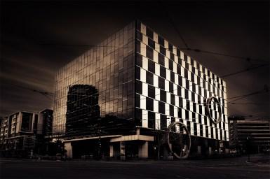 docklands-corner-longexposure-melbourne-architecture