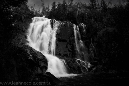 marysville-steavensons-falls-water-monochrome-100