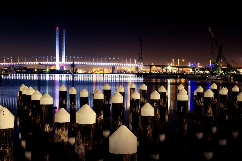 victoria-harbour-boltebridge-night-melbourne