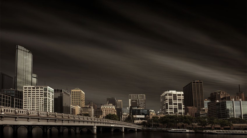 long-exposure-cityscape-melbourne-yarrariver