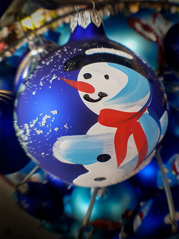 struman-fisheye-christmas-decoration-phone