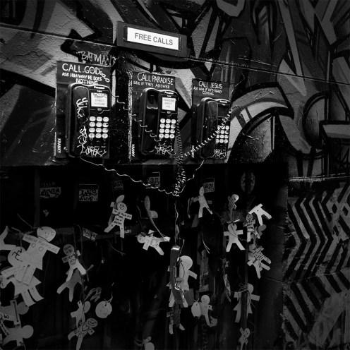 monochrome-telephone-theme-graffiti