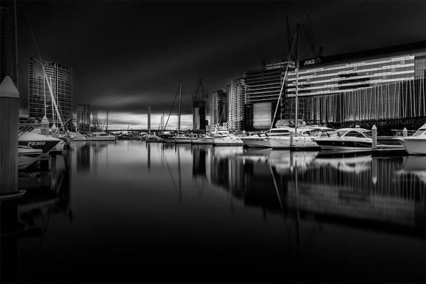 docklands-quiet-longexposure-boats-melbourne-monochrome