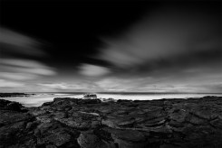 flinders-blowhole-longexposure-monochrome
